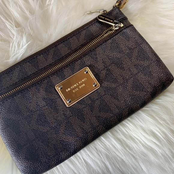 MICHAEL Michael Kors Handbags - Michael Kors Jet Set Travel Large Logo Wristlet